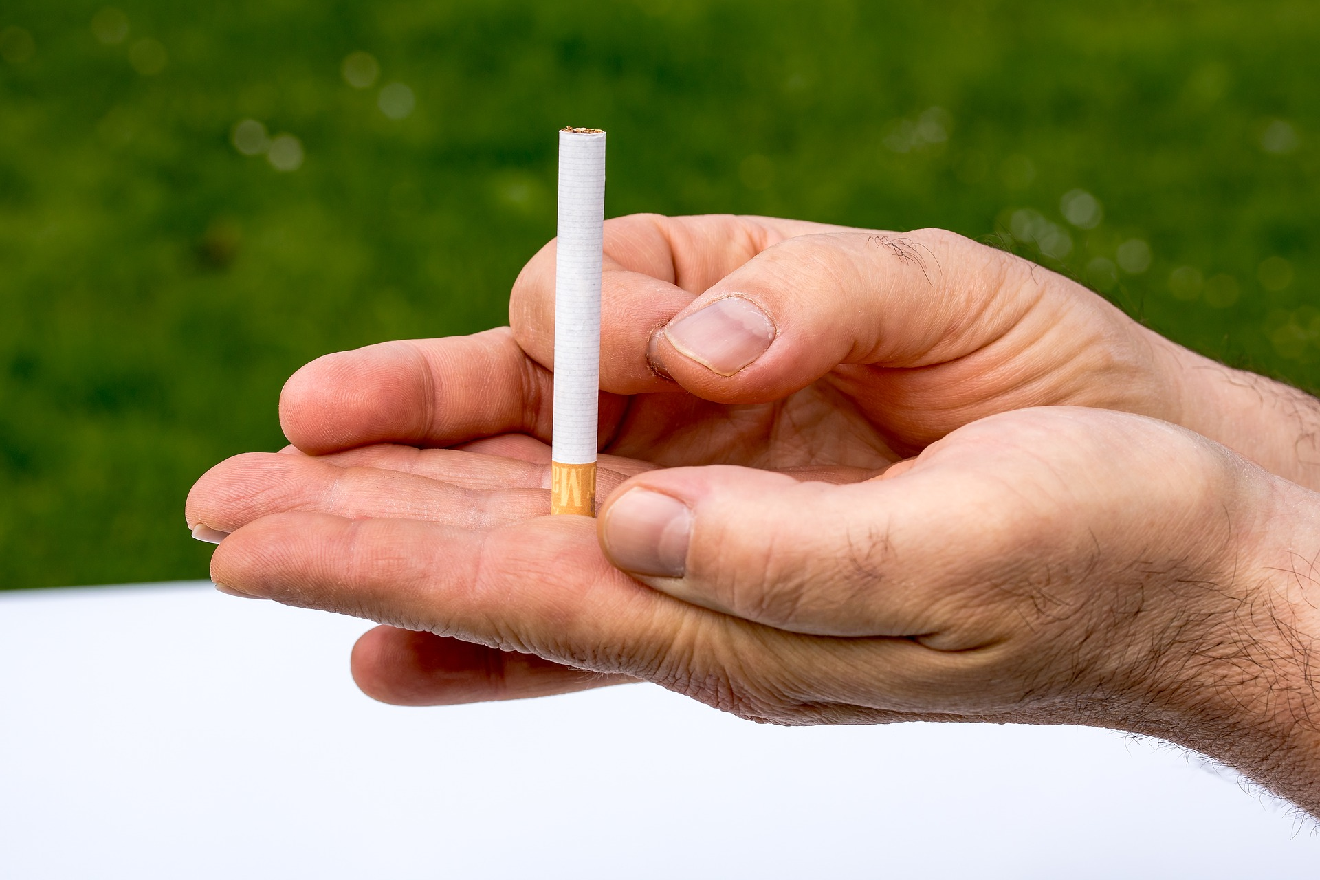 Psychiatric hospital to give patients e-cigarettes